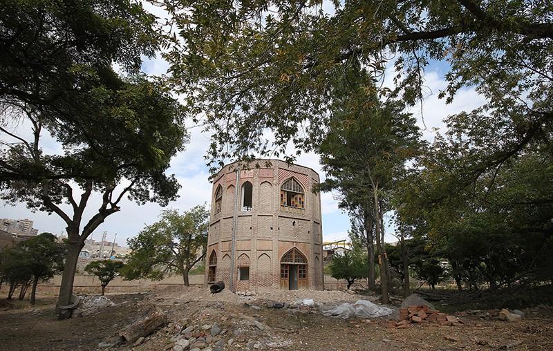 برج-خلعت-پوشان-در-آذربایجان شرقی