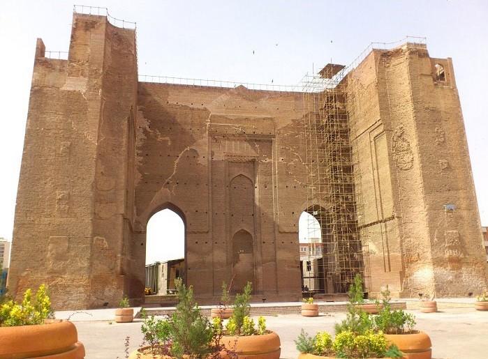 مسجد-و-ارگ-علیشاه-در-راهنمای-ایرانگردی