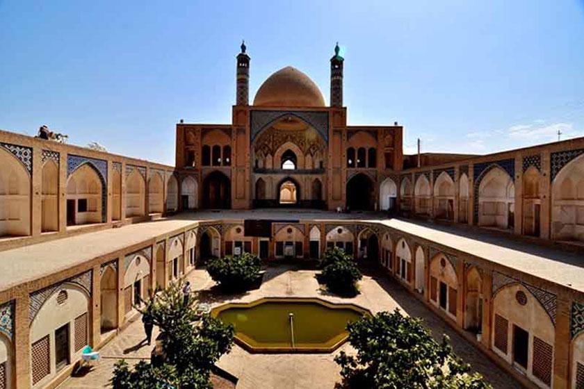 مسجد-و-مدرسه-آقا-بزرگ
