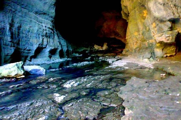 غار-و-آبشارهای-شیرآباد